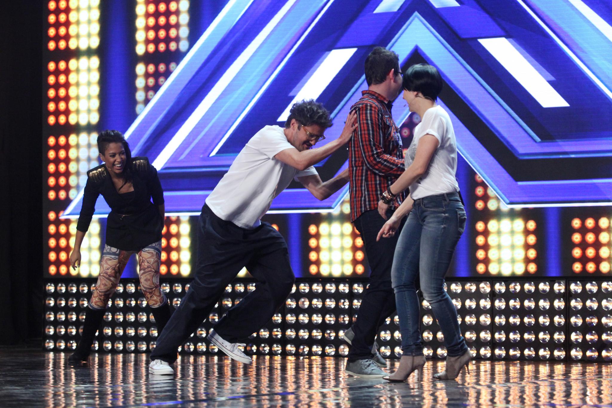 """Kazadi i Wojewódzki szaleją na scenie """"X Factor""""!"""